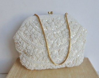 Beautiful White 50s Vintage Handbag With Gold Chain And Closure // Beads And Sequins