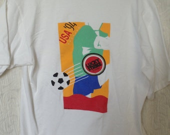 Vintage Lucky Strike It's Toasted USA Soccer Tee shirt sz L Made in USA