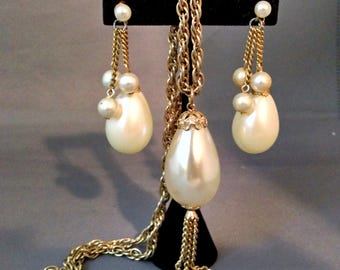 Vintage Faux Pearl Teardrop and Gold Tone Necklace and Earrings Set / Demi Parure Set