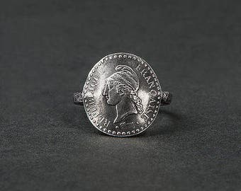 Marianne Révolutionnaire ring / silver ring with a coin / french