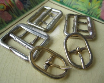5 Small Vintage Metal Buckles - 3 rectangle - 2 Oval