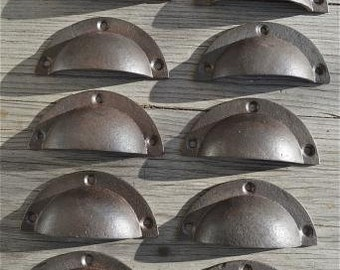 A set of 10 simple industrial style cast iron drawer pulls AL6