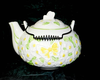 Ruben Teapot with Metal Handle , White , Yellow and Green , Ruben and  Easter Ware
