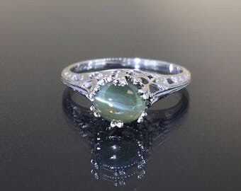 18k White gold Natural Cat's Eye Chrysoberyl Victorian style solitaire ring 1.18