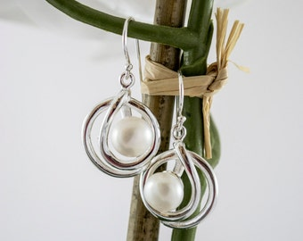 Sterling Silver Pearl Earrings, Sterling Silver and Pearl Earrings, Freshwater Pearl Earrings, Wedding Earrings