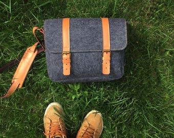 Sale/Digital camera bag /Backpack/Leather Messenger Bag/ water-proof felt photographer's bag / Retro Handbag / dark grey Satchel