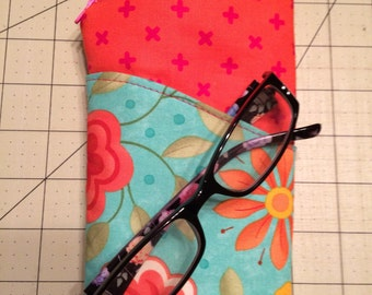 Glasses case with zipper pouch