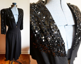 1930-40's Size 4 / 6  - Beautiful Vintage Black Dress with sequins