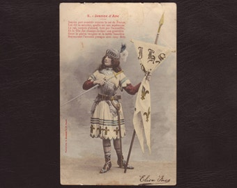 Joan of Arc, French postcard - Jeanne d'Arc in knights armor - Antique hand tinted edwardian postcard - 1904 (V4-29)
