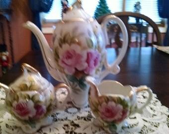 lipper and mann  pink floral tea pot sugar bowl and creamer