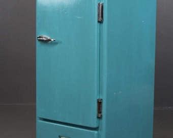 Numaid Vintage Painted Cupboard