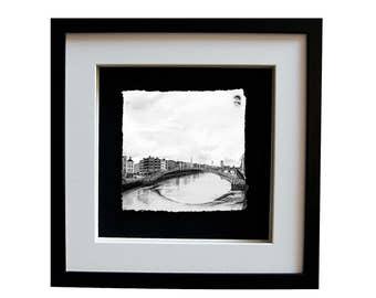 HA'PENNY BRIDGE - Dublin pedestrian bridge river liffey Ireland