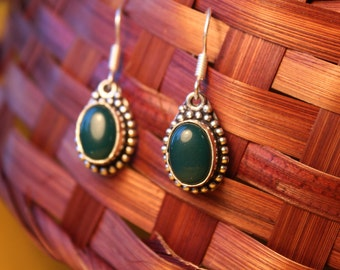 Lien, earrings with Jade in Tibetan silver