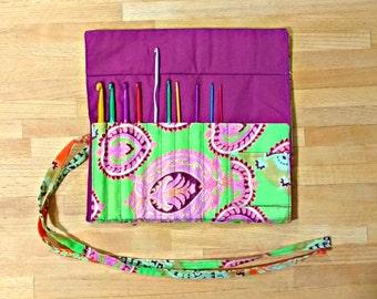 Crochet Hook Roll Tidy with Set of Hooks