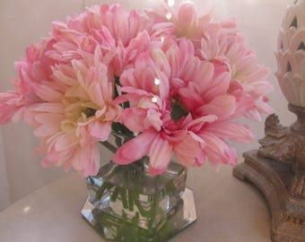 Silk flower arrangement centerpiece- light pink Gerbera Daisy flower in glass vase with faux water    Spring flower , Home decor