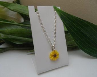 Girls sunflower pendant Necklace, Chids Necklace, Flower Pendants, Girls Birthday Gift, Girls necklace