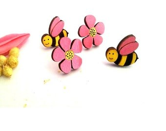 Bee Gift, Bee Earrings, Bee Lover Gift, Stocking Fillers, Teenage Girl Gift, Flower Earrings, Stud Earrings, Wooden Earrings