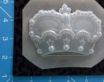 Crown mold