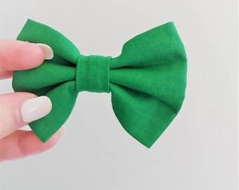Emerald Green Hair Bow Clip // Green Hair Accessories // Green Girls Bow // Solid Colour Hair Bows // Alligator Clip // Medium Hair Bows