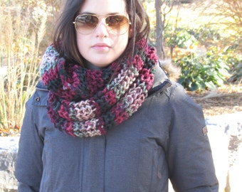 Knit Infinity Scarf, Chunky Knit Scarf, Knit Cowl, Thick Infinity Scarf, Women's Scarf, Infinity Scarves, Gift for Her