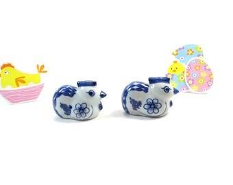 Hen Shakers - Ceramic Salt and Pepper Shakers - White and blue Salt and Pepper Shakers -  Delft Style Shakers