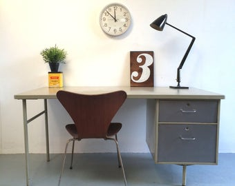 Modernist Desk 1960s / 1970s Retro