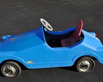 Antique Pedal Car European Model Large Fiber Glass Chain Driven #7614