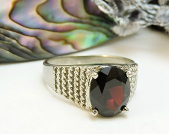 Sterling Silver Ring Garnet Stone /Size 7