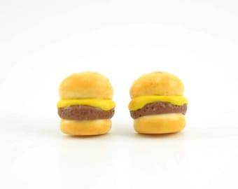 Burger polymer clay stud earrings. Burger earrings. Cheeseburger earrings. Food polymer clay earrings