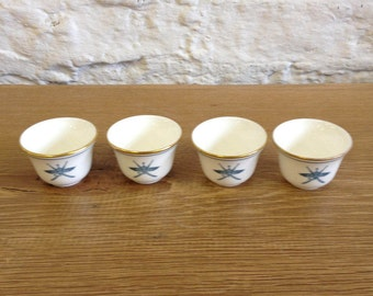 Vintage 4 X Royal Doulton Pots - White And Gilt Gold Trim & A Company Motif in Great Condition