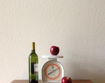 Vintage Kitchen Scale, White Kitchen Portion Scale 1977 Pelouze, 6.6 LB.Scale, Lb and kg measures