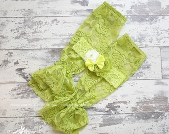 Lime Avocado Green Lace Baby Leg Warmers, Baby Girl Leggings, Ruffle Leg Warmers, Infant Leg Warmers, Baby Photo Prop, Toddler Leg Warmers