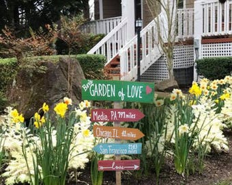 Grandma Sign - Directional Sign - Garden Decor - Garden Of Love Sign - Grandma Gift - Rustic - Pallet Wood Sign - Birthday Gift