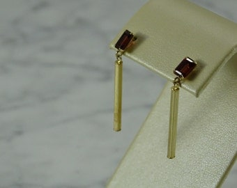 14 K Gold / Garnet dangle Earrings (pierced)