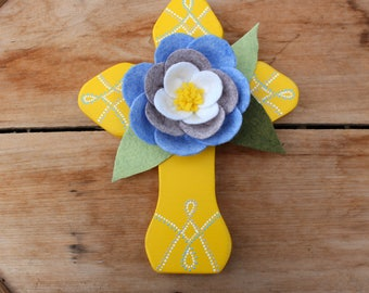 Wood Wall Cross, Wooden Cross, Yellow Cross, Magnolia flower, Felt flowers, Handmade flowers, Handmade cross, Christian wall decor, OOAK