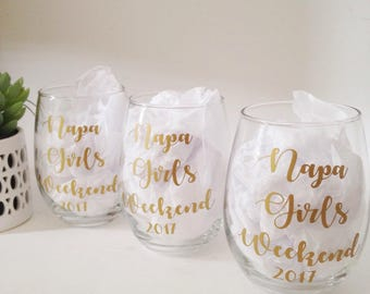Custom Wine Glasses, Bridal Party Wine Glass, Girls Weekend Wine Glasses, Personalized Wine Glasses, Custom Name Wine Glasses, Bridal Party
