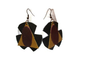 Round leather earrings / Black, red and dark tangerine earrings / Natural leather earrings / Dangle earrings / Geometric earrings /