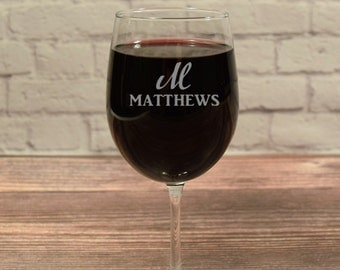 Custom Wine Glasses, Personalized Wine Glass, Etched Wine glass, Wine Gift, Anniversary Gift, Wedding Gift, Wine Glass Gift, Wine Glass Name