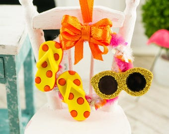 Fun in the Sun Summer Wreath with Flip Flops and Sunglasses in Yellow, Pink and Orange - 1:12 Dollhouse Miniature