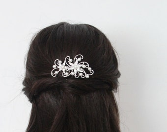 Crystal and Pearl Flower Hair Comb. Bridal Headpiece. Wedding, Party, Prom Hair Accessory.