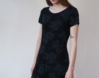 90's Stretchy Midi Floral Dress Gray Roses Black Slinky Nineties Vintage Spring Comfy Flowy Mid Length Retro Flower Power Rose