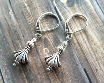 Art Deco Style Earrings / Vintage Earrings / Charm Earrings / Silver Earrings
