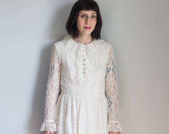Vintage White Lace Short Mod Wedding Dress 1960s