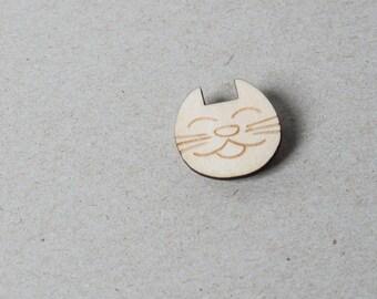 Brooch wood cat