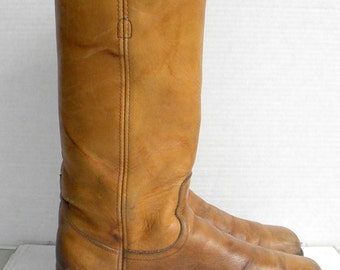 Frye boots-Women Sz 10.5-Light brown boots-tall boots-leatherboots-pull on campus boots
