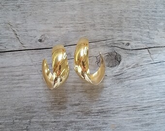 Large Vintage Gold Hoop Earrings-Chunky Gold Hoops-Classic Gold Earring-Vintage Gold Earring-Free Shipping