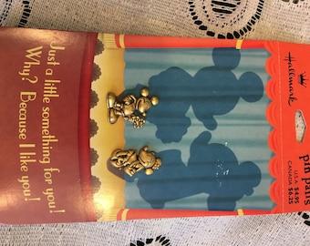 Disney Pin Set Hallmark Mickey with Flowers and Bashful Minnie Brass Gold NIB!