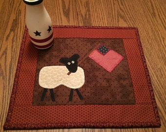 Primitive/Patriotic/Americana/Flag/Sheep/Table Topper/Table Runner/Handmade/Quilted/Country Decor  Item #167