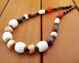 Coral Necklace Semi-Precious Stones Ethnic Beaded Necklace Tribal Chunky Necklace Gemstone Necklace Tribal Bone Jewelry Shell Necklace