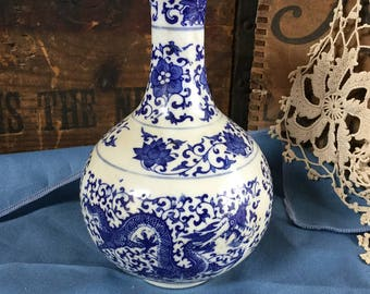 """Antique Asian Chinese Blue And White Dragon Vase 7"""" tall"""